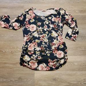 Floral maternity shirt
